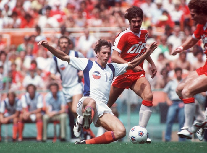 How Johan Cruyff nearly signed for Leicester City in 1981 | Johan ...