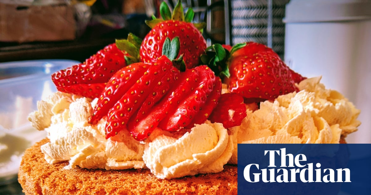 'Throw the ingredients together with reckless abandon!': Guardian readers on their tastiest foolproof bakes