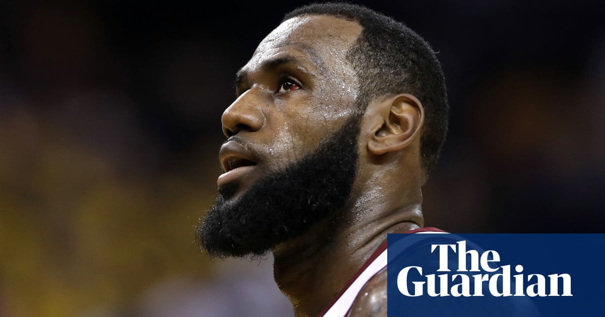 83297e1159d Donald Trump taunts basketball s LeBron James in late night Twitter rant