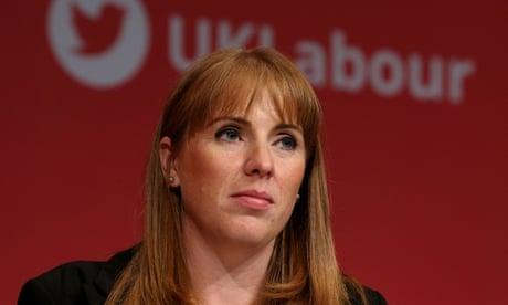 Graduates in England face increasing debt burden, Labour warns