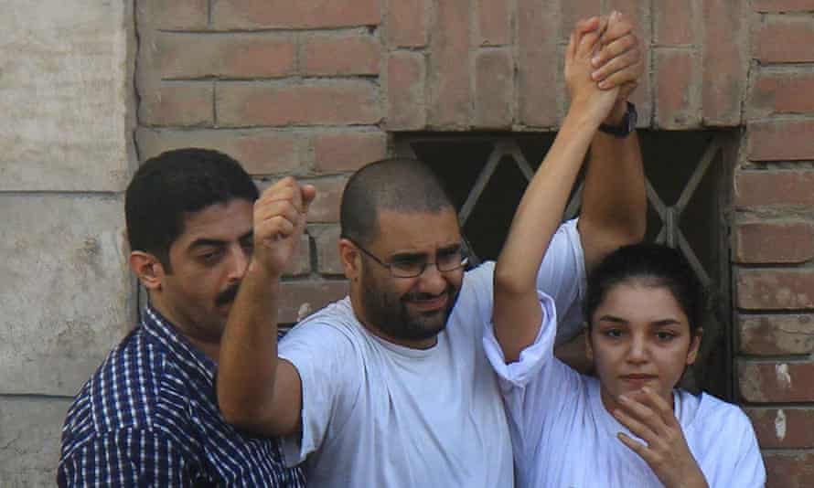 Sanaa Seif, right