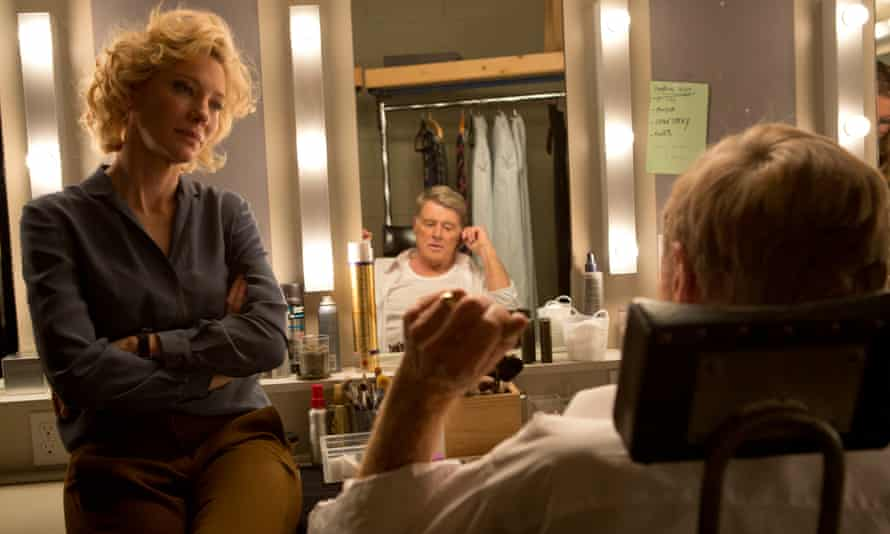 Cate Blanchett and Robert Redford as Dan Rather in Truth.