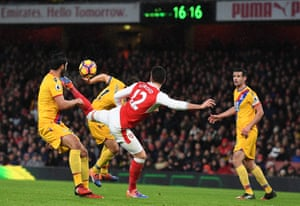Giroud wins it for his scorpion kick goal against Crystal Palace.