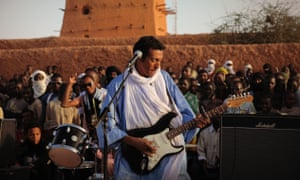 Bombino playing to a home crowd