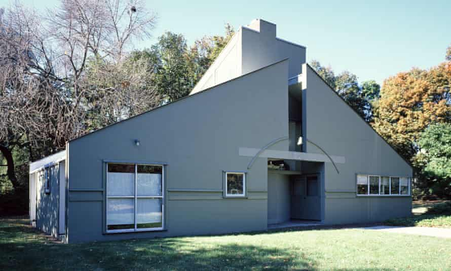 Both complex and simple ... Venturi's mother's house in Philadelphia.