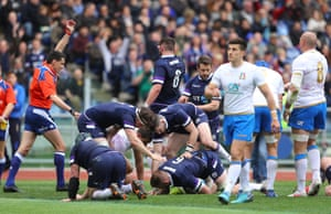 John Barclay touches down for Scotland.