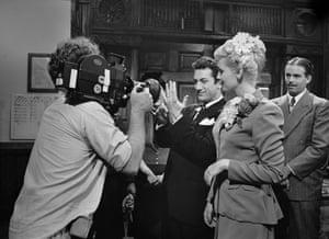 Cathy Moriarty and Robert De Niro