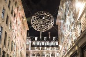 'Reflektor' by Studio Roso in St James's Market