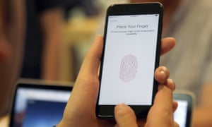 Apple may replace iPhone home button with fingerprint