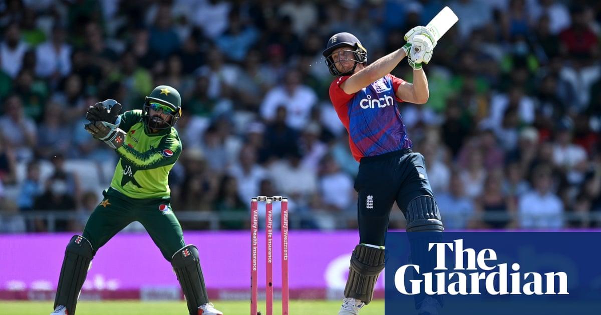 Jos Buttler and Moeen Ali shine as England sweep Pakistan aside