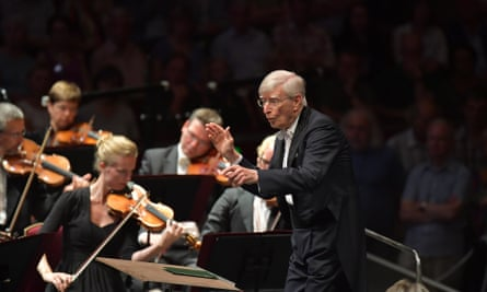 Herbert Blomstedt conducts the Leipzig Gewandhausorchester in an all-Beethoven prom.
