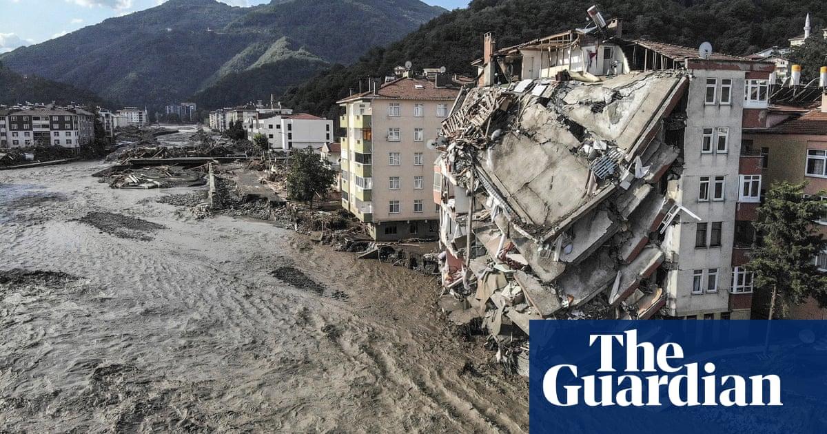 Turkey flood deaths rise as fresh fires erupt on Greek island of Evia