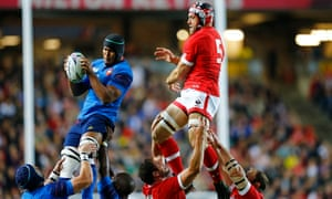 Jamie Cudmore's lineout subterfuge fails to pay off as he is beaten to the ball by France's Thierry Dusautoir.