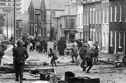 Confrontation between British soldiers and the IRA in Belfast in 1971.