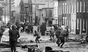 Confrontation between British soldiers and the IRA Belfast in August 1971.