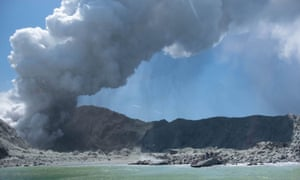 New Zealand's White Island/Whakaari spewing steam and ash minutes following an the eruption on 9 December.