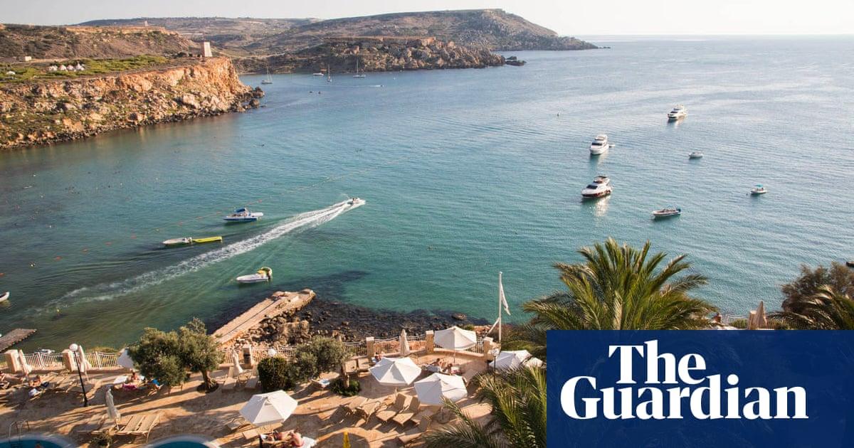 UK eases Covid travel rules for tourist spots despite cabinet rift