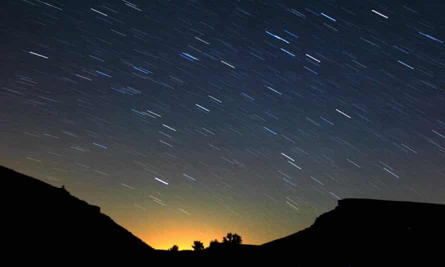 Leonid meteors light up night sky in Spain.