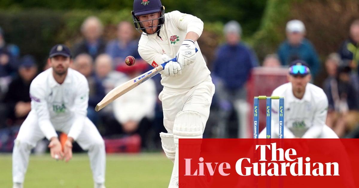 County cricket finale: Lancashire v Hampshire, Warks v Somerset – live!