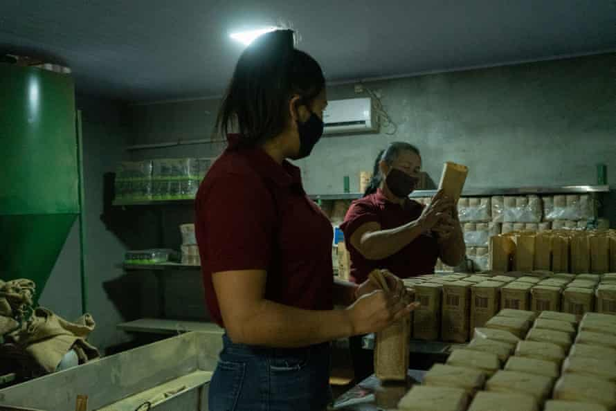 Cinthia Nunez and Clotilde Moreira are mother and daughter; both are yerba mate producers and members of Onoiru. They are in charge of packaging the finished product