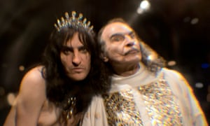 Noel Fielding as Alice Cooper and David Suchet as Salvador Dali in Sky's Urban Myths.