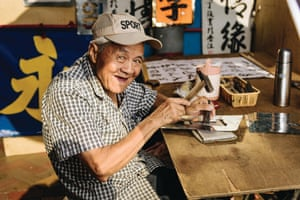 Wu Ding Keung, one of Hong Kong's last stencil makers