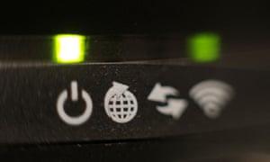 Broadband internet router