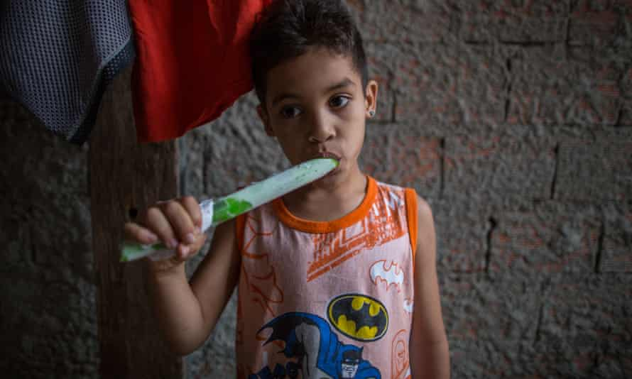 Another youngster in the Mauá Occupation