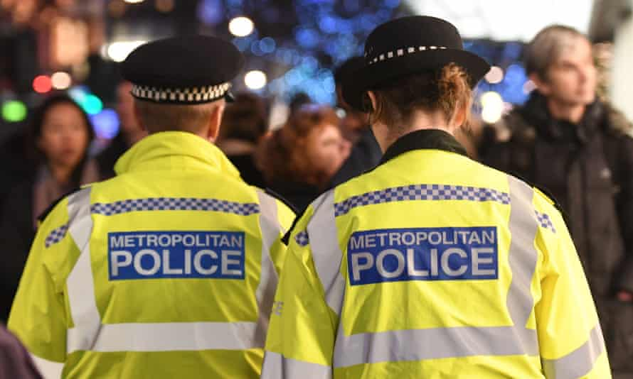 Stop and search is hampering the Metropolitan police's ability to tackle London's knife crime, a senior officer has claimed.