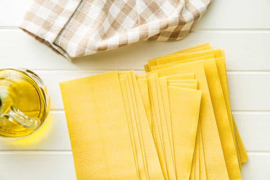 Dried lasagne sheets