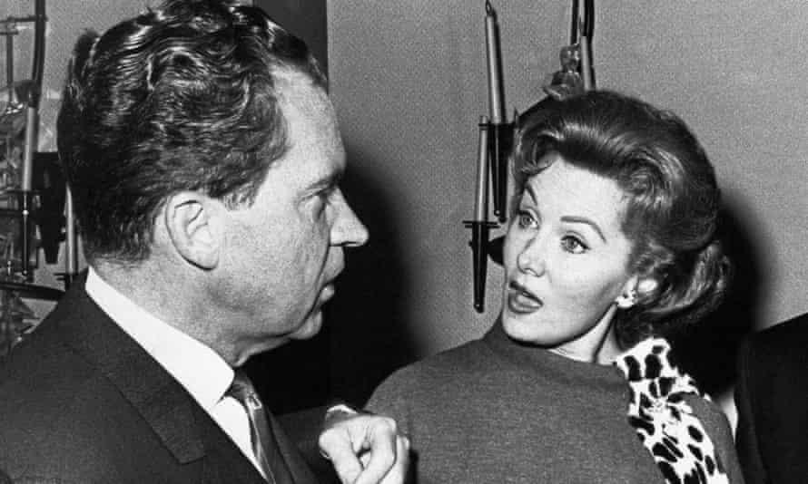 Rhonda Fleming talking to Richard Nixon in 1962.