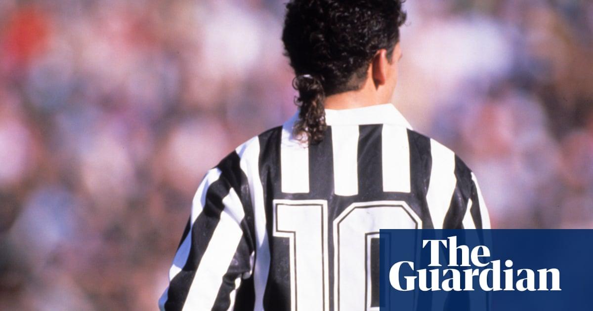 Golden Goal  Roberto Baggio for Juventus against Internazionale (1992) dc8a6f5b6