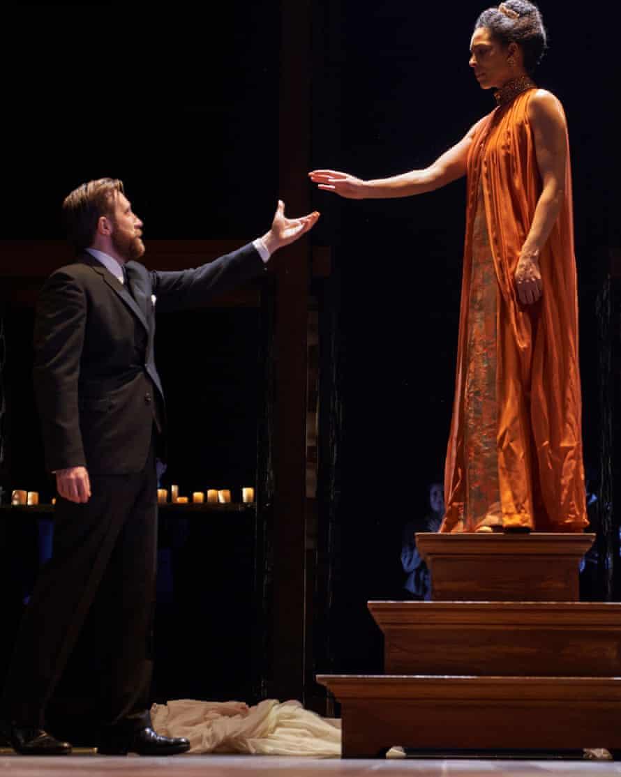 Joseph Kloska and Kemi-Bo Jacobs as Leontes and Hermione.