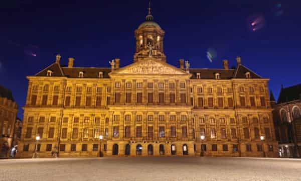 Amsterdam to embrace 'doughnut' model to mend post-coronavirus economy | Netherlands | The Guardian