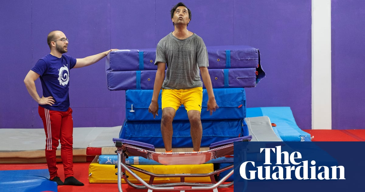 Rhik Samadder tries … backflipping: 'My shorts are too tight – being upside down doesn't help'
