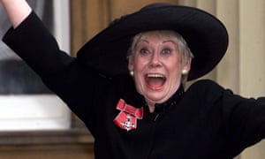 Liz Dawn after receiving her MBE outside Buckingham Palace in 2000.