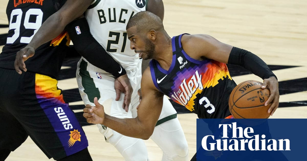Chris Paul scores 32 in NBA finals debut as Phoenix take Game 1 from Milwaukee