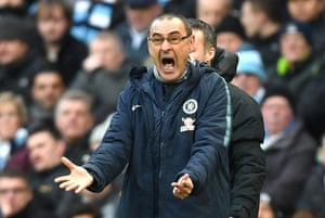 Sarri is not happy.