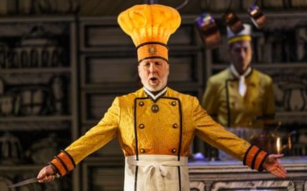 Brindley Sherratt as Sarastro in the Glyndebourne production of Die Zauberflöte.