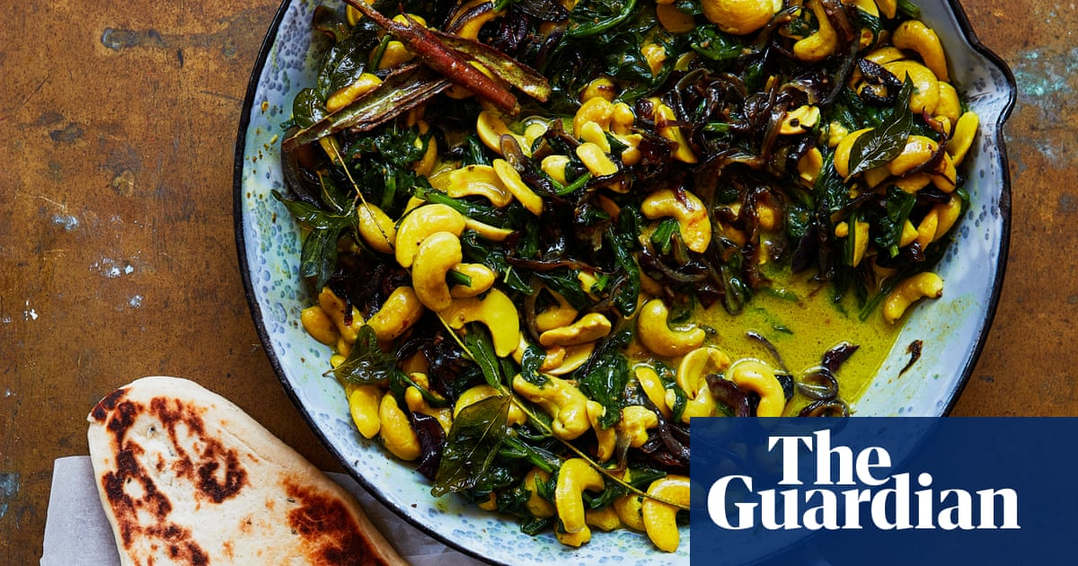 Thomasina Miers' recipe for cardamom and black pepper cashew spinach curry