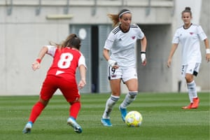 Kosovare Asllani, one of Tacón's summer signings, in action.
