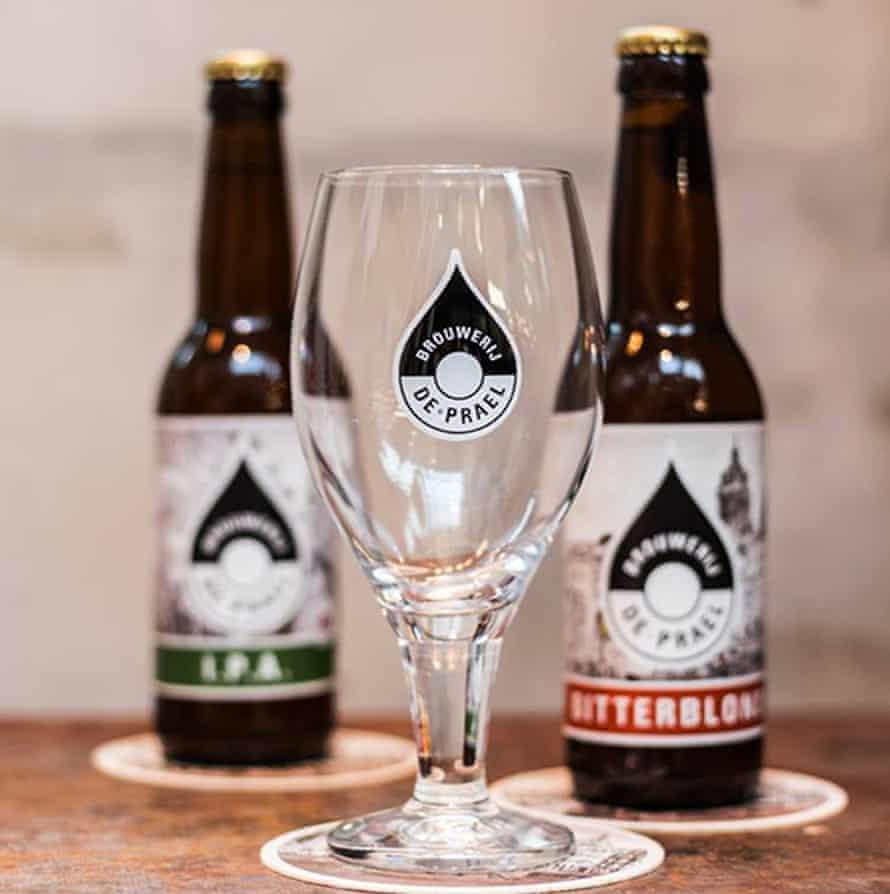 Bottles of Hemelswater water: code blond beer.