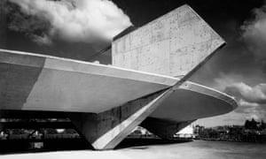 Paulo Mendes da Rocha's gymnasium for Paulistano Athletic Club, São Paulo, 1961.