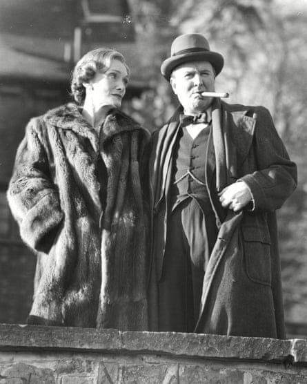 Hardy with Sian Phillips in Winston Churchill: The Wilderness Years.