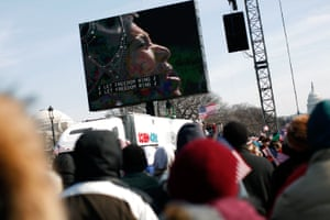 The crowd watches Aretha Franklin during Obama's 2009 inauguration