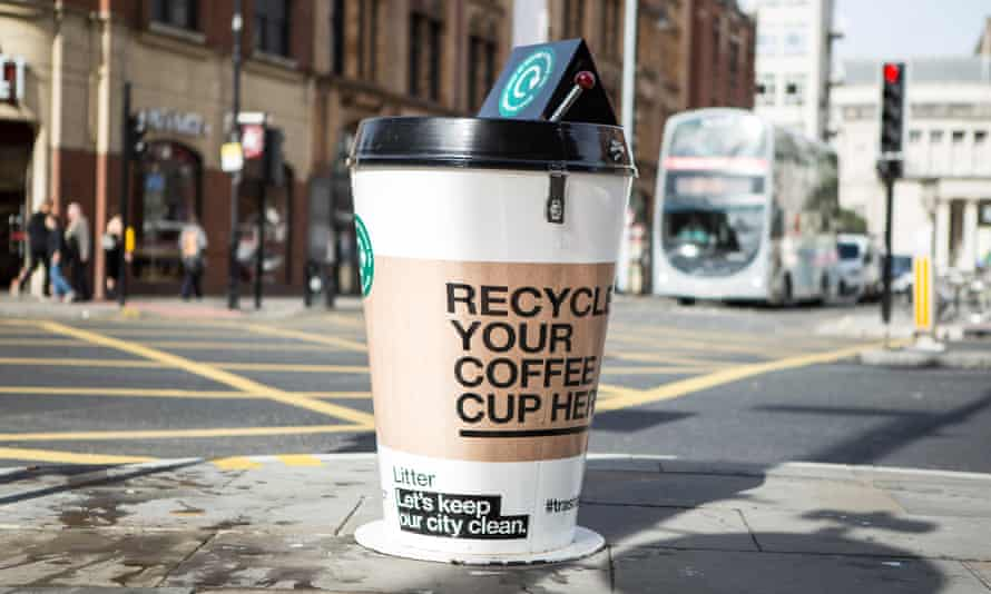 Bin for recycling coffee cups