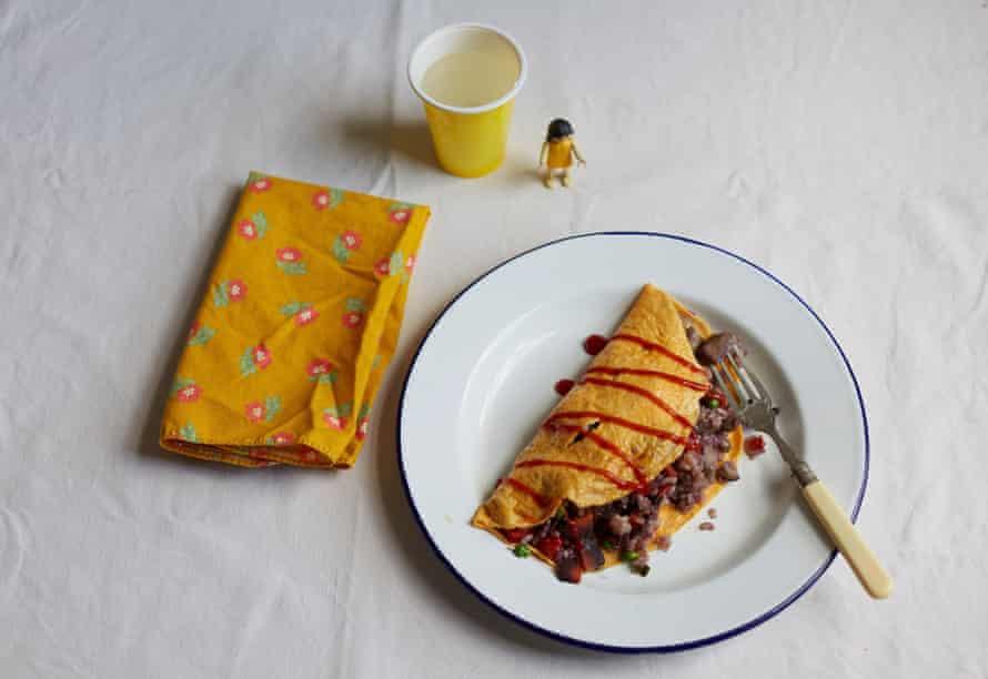 omuraisu rice-filled omelette