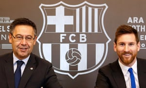 Bartomeu and Messi in a more harmonious mood when the player signed a contract extension in 2017