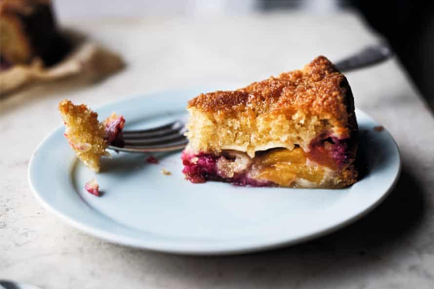 Hazelnut, peach and raspberry cake.