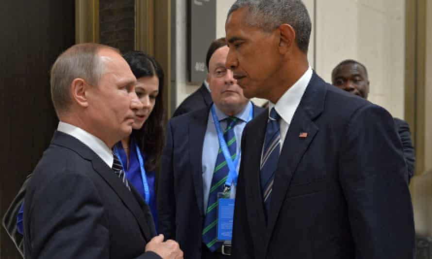 Vladimir Putin talks to Barack Obama during a meeting at the sidelines of the G20 Summit in Hangzhou, China on 5 September 2016.